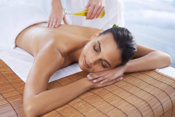 masáž esenciálních olejů