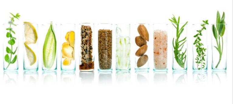 Které potraviny a nápoje ruiny kůže?